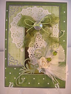 Tag card with paper doily